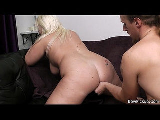 First date with sexy chubby blonde