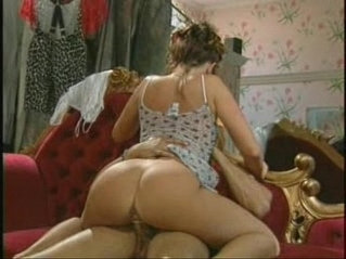 Sexy MILF gets fucked