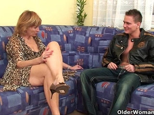 Granny gets hairy pussy licked and fucked deep
