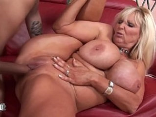 Busty mature babe gets banged by a vaillant fucker