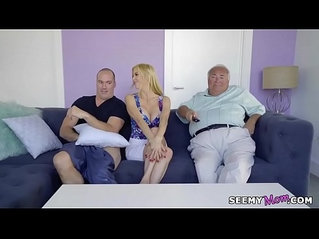 Alexis Fawx I took my fathers pills so I need my moms help!